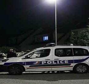 ΤΡΟΜΟΣ ΣΤΟ ΠΑΡΙΣΙ! – Τζιχαντιστής έσφαξε αστυνομικό και πήρε όμηρο το παιδί και τη γυναίκα του (ΦΩΤΟ&ΒΙΝΤΕΟ)