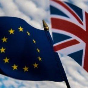 Ποσοστό της τάξης του 44% συγκεντρώνει η εκστρατεία υπέρ της παραμονής της Βρετανίας στην Ευρωπαϊκή Ένωση έναντι 42% που συγκεντρώνουν οι υπέρμαχοι τουBrexit