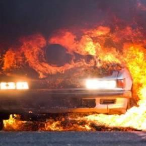 Εκαψαν ζωντανό τον εκδότη της «ΑΚΡΟΠΟΛΙΣ» Π.Μαυρίκο στην Αττική Οδό (φωτό) (upd)ΤΟ ΑΥΤΟΚΙΝΗΤΟ ΤΗΣ ΓΥΝΑΙΚΑΣ ΤΟΥ ΑΡΠΑΞΕ ΦΩΤΙΑ ΕΝΩ ΤΟΟΔΗΓΟΥΣΕ!