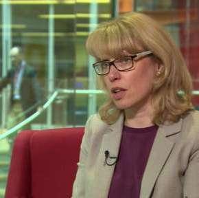 Τ.Γουότσον: Η γυναίκα που θα ανακοινώσει επίσημα το αποτέλεσμα του δημοψηφίσματος[φωτό]
