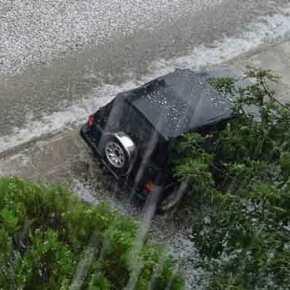 Χαλάζι «βομβαρδίζει» την Αττική! – Σφοδρές καταιγίδες και πλημμύρες(βίντεο)