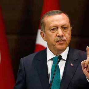 «Τσουνάμι» εκκαθαρίσεων από Ερντογάν: Μετά τον στρατό ήρθε η σειρά των ΜΜΕ -«Αποφασίζομεν καιδιατάσσομεν»