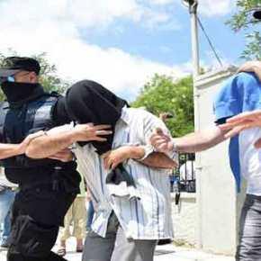 Εφθασαν στην Αθήνα οι «8» Τούρκοι – Οδηγήθηκαν στο Αστυνομικό Τμήμα του ΟλυμπιακούΧωριού
