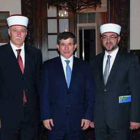 Ξεσαλώνουν οι τουρκοπράκτορες στη Θράκη: Έκαναν προσευχή για την… Πατρίδα τους, τηνΤουρκία!