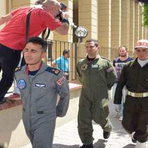 ΕΚΤΑΚΤΟ: Σύλληψη του Διοικητή της βάσης του Ιντσιρλίκ – Με πόλεμο απειλεί τις ΗΠΑ η Τουρκία (φωτό, vid)UPD