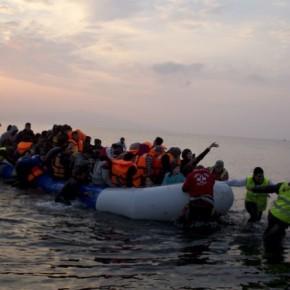Δύο βάρκες με περίπου 170 πρόσφυγες στηΜυτιλήνη