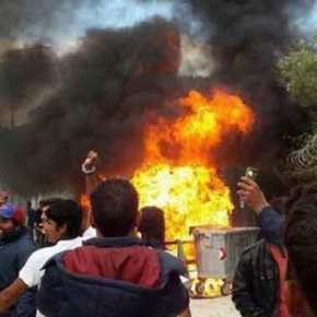 Μετανάστες επιτέθηκαν με τσεκούρια σε αστυνομικούς στο hotspot της Λέρου – Έναςτραυματίας