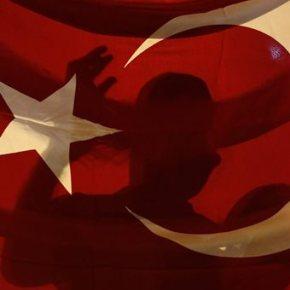 Συνελήφθη ο υπασπιστής του Ερντογάν και ο διοικητής της πολεμικής αεροπορίας τηςΤουρκίας