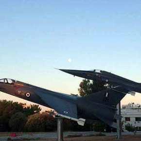 Η κατάρριψη τουρκικού F-102 στο Αιγαίο το 1974 και το F-5 έξω από τοΓΕΑ