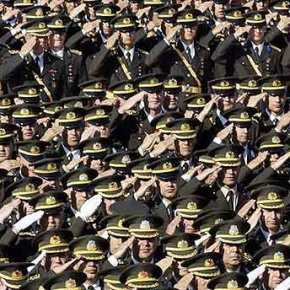 Ο Τουρκικός στρατός θα επικεντρωθεί στην εσωτερική άμυνα χωρίς να αναμιγνύεται στηνπολιτική