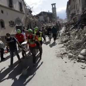 Σκηνές αποκάλυψης από το χτύπημα του Εγκέλαδου στηνΙταλία
