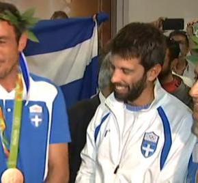 ΘΡΙΑΜΒΕΥΤΙΚΗ ΥΠΟΔΟΧΗ -Στην Αθήνα Μάντης – Καγιαλής: Τιμή μας που είμαστεΕλληνες!