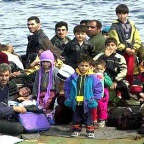 «ΘΕΛΟΥΝ ΝΑ ΜΑΣ ΚΑΝΟΥΝ ΛΕΣΒΟ» ΛΕΝΕ ΟΙ ΚΑΤΟΙΚΟΙ Έντονες αντιδράσεις από τους κατοίκους της Κρήτης για τους 3.000 μετανάστες που στέλνει ηΓερμανία