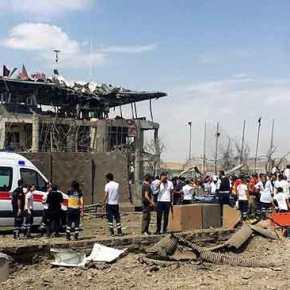Μακέλεψαν το Τούρκικο Α.Τ του Ντιγιάρμπακιρ οι Αντάρτες του PKK…5 νεκροί και 25 τραυματίες!(φώτο)