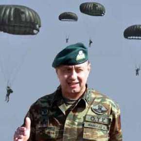 Στρατηγός Μανωλάς: «Μην Μασάτε Εμείς είμαστε πάντα εδώ!»…Ο Αρχηγός τα λέειΌλα!