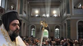 Με λαμπρότητα τελέστηκε η ενθρόνιση του Μητροπολίτη Σμύρνης μετά από 94χρόνια