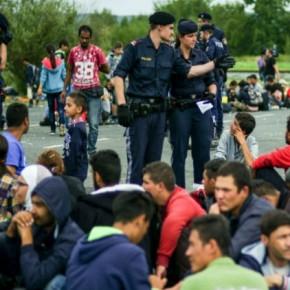 Γαϊτανάκι απειλών για τουςπρόσφυγες