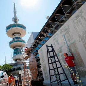 Άρχισαν οι εργασίες κατασκευών στο Διεθνές Εκθεσιακό Κέντρο -81Η ΕΚΘΕΣΗ -«Αέρας ανανέωσης» πνέει στο Διεθνές Εκθεσιακό Κέντρο Θεσσαλονίκης, όπου σε λίγες ημέρες θα κοπεί η κορδέλα των εγκαινίων της 81ηςΔΕΘ.