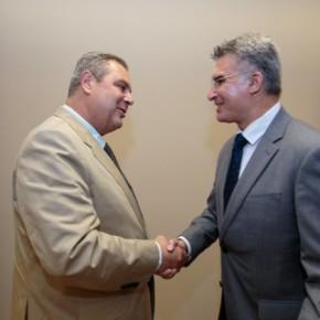 Συνάντηση ΥΕΘΑ με τον υπουργό εσωτερικών και άμυνας τηςΜάλτας