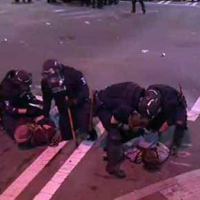 Δεύτερη νύχτα χάους στο Σάρλοτ της Βόρειας Καρολίνας: Πολιτειακή αστυνομία και Εθνοφρουρά δίνουν μάχες σώμα με σώμα με τους διαδηλωτές (βίντεο-εικόνες)