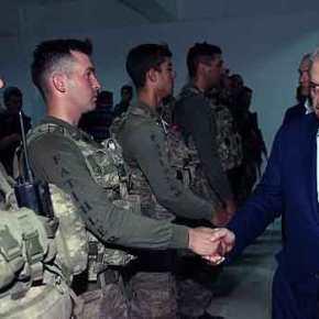 """Είναι """"κατακτητές"""" και το φωνάζουν! Η λεπτομέρεια σε στολές Τούρκων που χαιρετούν τονΓιλντιρίμ"""
