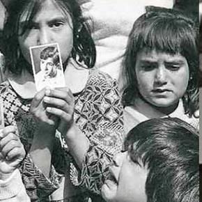 Τα κορίτσια που ακόμη περιμένουν τον αγνοούμενο πατέρα τους κι όχι Τούρκοσταρ