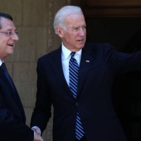 Τ.Μπάιντεν σε Τούρκους αξιωματούχους: «Δεν μπορεί να λυθεί το κυπριακό με παραμονή ξένωνστρατευμάτων»