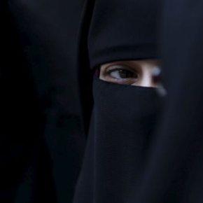 Η Βουλγαρία απαγορεύει μπούρκες, μαντίλες & νικάμπ σε δημόσιουςχώρους