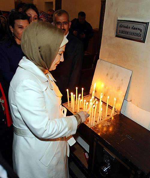 emine-erdogan-in-hristiyan-ayini_488429