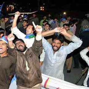 Αφησαν ελεύθερους τους 4 Πακιστανούς βιαστές του 16χρονου στην Λέσβο – Οι πολίτες να προσέχουν τα παιδιάτους