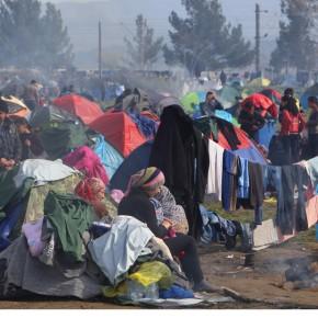 Εικόνες καταστροφής από τα επεισόδια μεταναστών στηΧίο