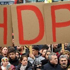 Γερμανία: Διαδήλωση χιλιάδων Κούρδων & Αλεβιτών κατά τουΕρντογάν