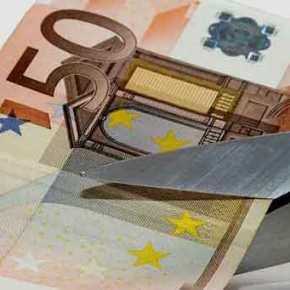 Δανειστές και κυβέρνηση συζητούν «κούρεμα» 50% για χρέη σε Εφορία, Ασφαλιστικά Ταμεία καιτράπεζες