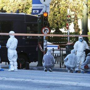 Στήνουν εκ νέου τον μηχανισμό για την προστασία Ομπάμα μετά το χτύπημα στη γαλλικήπρεσβεία
