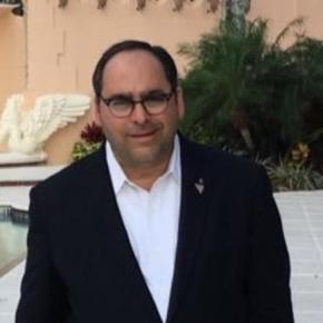Τζ. Τζιτζίκος: Ένας ελληνοαμερικανός πίσω από τη δημόσια εικόνα του Τραμπ –Φωτο.
