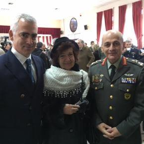 Τιμή στην κόρη του Ήρωα Υπολοχαγού Δημητρίου Ζιώγα, Φρειδερίκη Λιάπη – Ζιώγα από τον νυν και τον επίτιμο ΑρχηγόΓΕΣ