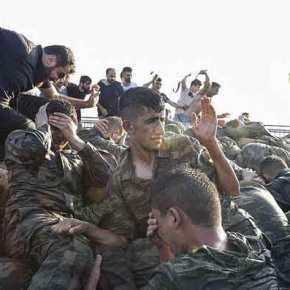 Συγκλονιστικό βίντεο: «Γενναίοι» Τούρκοι στρατιώτες χτυπούν μέχρι θανάτου Koύρδο στρατιώτη στη Συρία θυμίζοντας σε όλους ποιοιείναι