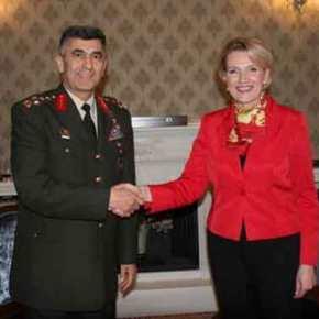 Η Αγκυρα έστειλε μεγάλες ποσότητες στρατιωτικού υλικού στην Αλβανία – Θέλει «Δεύτερο μέτωπο» στα νώτα τηςΕλλάδας