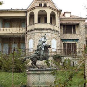 Αρχή του τέλους για την παρακμή των θερινών ανακτόρων στο Τατόι Η μελέτη που κρίνει αναγκαία την οικοδομική, λειτουργική κι αισθητική αποκατάσταση του μνημείου στην εποχή του Γεωργίου Α' πήρε το πράσινο φως να«προχωρήσει»