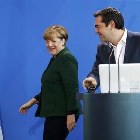 Μέρκελ-Τσίπρας: Συζητήσεις για προσφυγικό, Κυπριακό, Τουρκία, αλλά… το οικονομικό στοEurogroup
