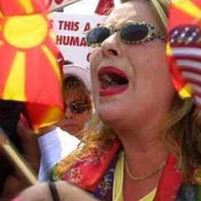 ΣΚΟΠΙΑ: Ούτε εκλογές δεν μπορούν να κάνουν! Καταγγελίες για νοθεία από τηναντιπολίτευση