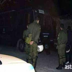 Bγήκαν τα όπλα στη Χίο: Συγκρούσεις Αφγανών και Αλγερινών μεταναστών αλλά συνέλαβαν… Έλληνα!(βίντεο)