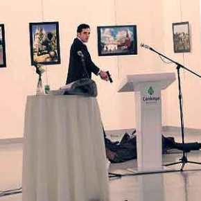 «Βυθίστηκε» η τουρκική λίρα μετά την είδηση για την δολοφονία του Ρώσουπρέσβη
