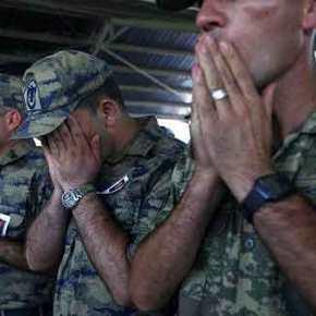 """Ο τουρκικός στρατός χάνει στη βόρεια Συρία και ζητά βοήθεια από τον """"διεθνήσυνασπισμό""""!"""