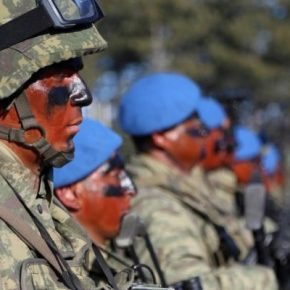 Υπό κατάρρευση ο τουρκικός στρατός: 3.000 κομάντος ερευνήθηκαν για σχέσεις με τοPKK