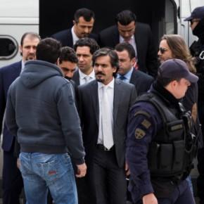 Ελεύθεροι οι 8 Τούρκοι στρατιωτικοί – Δεν θα εκδοθούν στηνΤουρκία