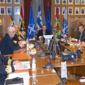 Ιστορική σύσκεψη νυν και πρώην στρατιωτικής ηγεσίας στοΥΠΕΘΑ
