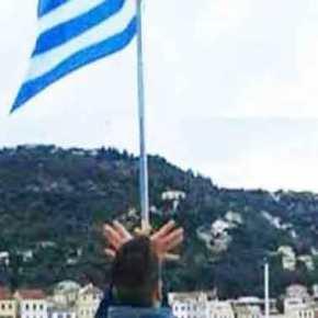 Απελάθηκε ο 17χρονος Αλβανός που σχημάτισε τον «αετό» της Αλβανίας κάτω από τη γαλανόλευκη(φωτό)