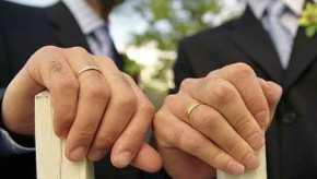 Υπουργική απόφαση: Tα gay ζευγάρια θα έχουν πλήρη εξομοίωση με ταετερόφυλα