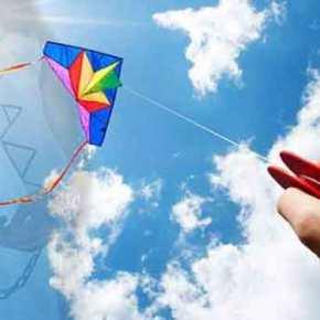 Η νέα τουρκική και καταριανή διοίκηση του Αστέρα Βουλιαγμένης δεν αφήνει τα παιδιά να πετάξουν χαρταετό!(βίντεο)
